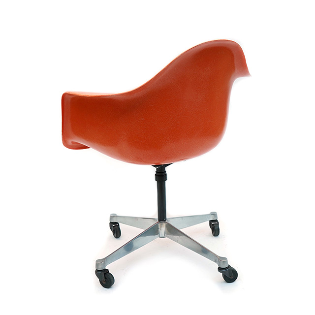 Eames Plastic Arm Chair Castor Base (1950) OR01C