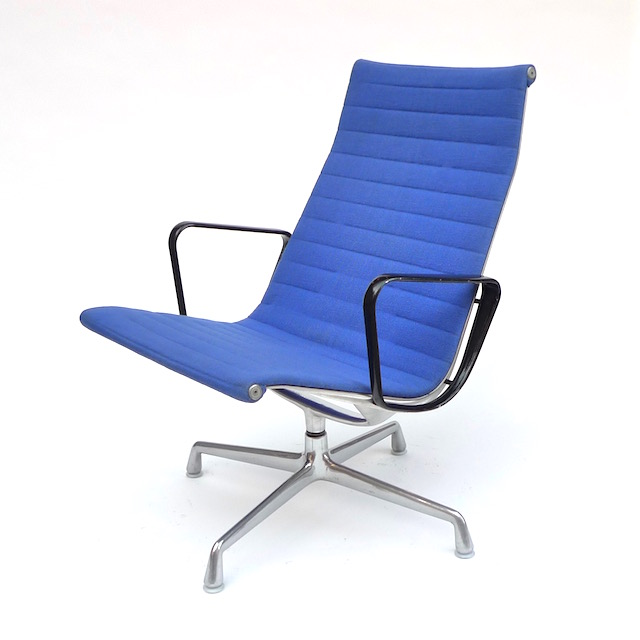 Eames Aluminum Group Lounge Chair (1958)