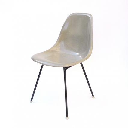 Eames Plastic Side Chair H-Base (1953) BE02H