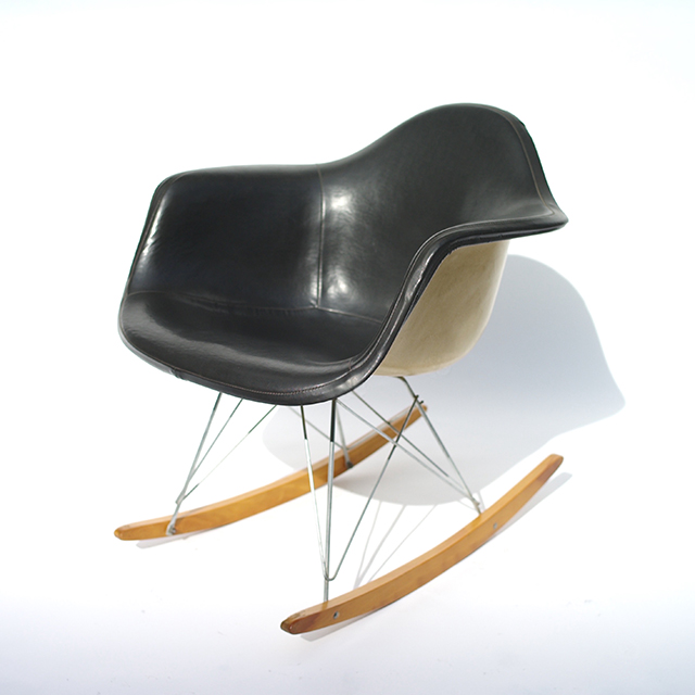 Eames Plastic Arm Chair Rocker w.Full Cover(1950)