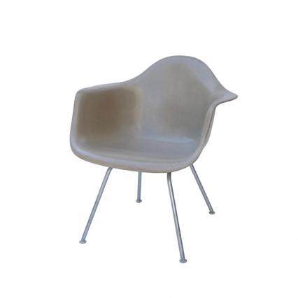 Eames Plastic Arm Chair Lounge H-Base(1950) BE01LH