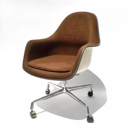 Eames Loose Cushion Arm Chair(1971)