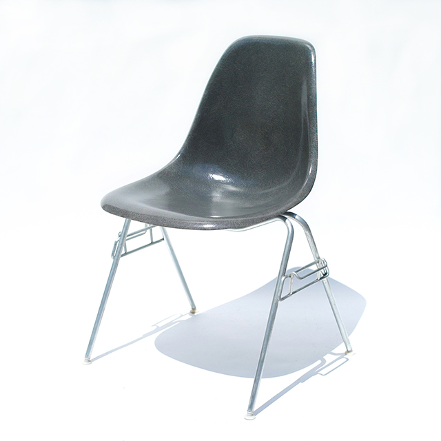 Eames Plastic Side Chair Stacking Chair(1955) EG#5