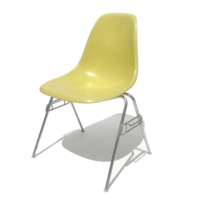 Eames Plastic Side Chair Stacking Base (1953) LY1S