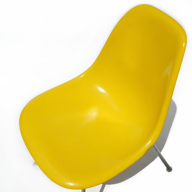 Eames Plastic Side Chair H-Base (1953)YE01H