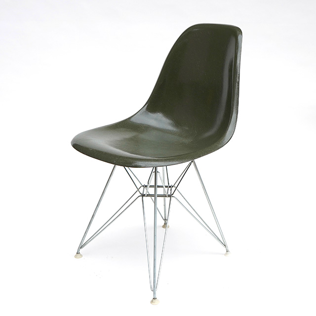 Eames Plastic Side Chair Eiffel Base (1953) OG02ET