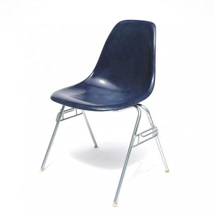 Eames Plastic Side Chair Stacking Base (1953) NV