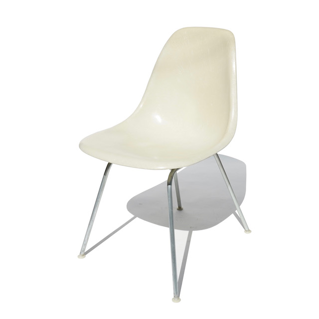 Eames Plastic Side Chair H Base (1953) WH06H