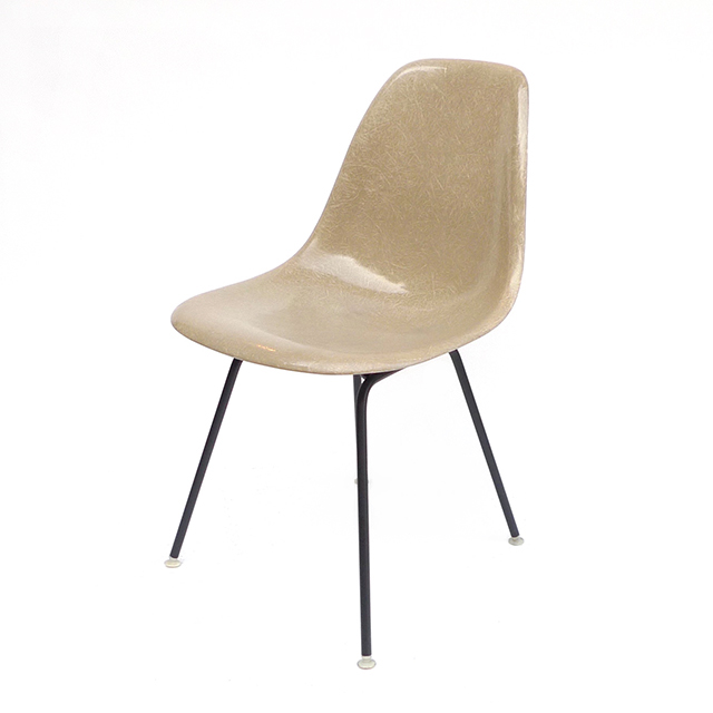 Eames Plastic Side Chair H-Base (1953) BE01H