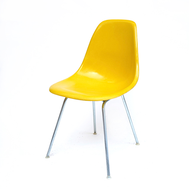 Eames Plastic Side Chair H-Base (1953) YE06H