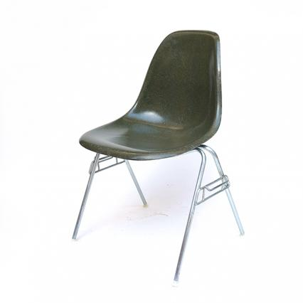 Eames Plastic Side Chair Stacking Base (1953) OL