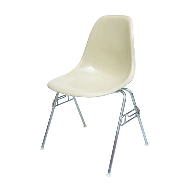 Eames Plastic Side Chair Stacking Base (1953) WH